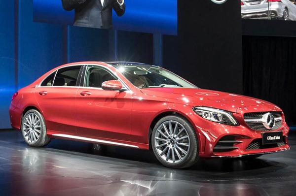 Mercedes shows its C-class long wheelbase