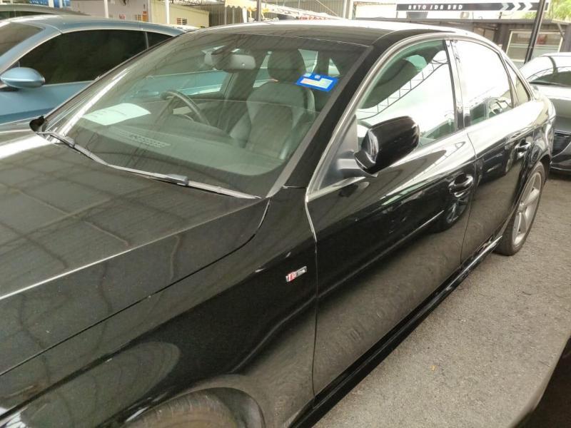 Audi A4 2.0 S Line 2010