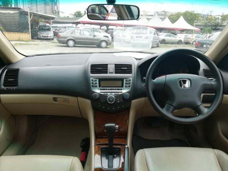 Honda Accord 2.0 i-VTEC VTi Sedan (A) 2005