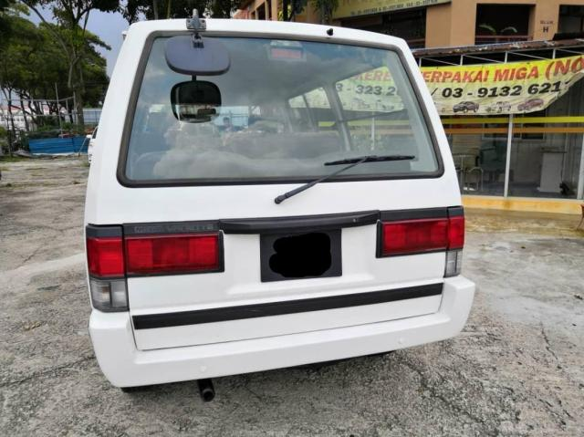 Nissan Vanette 1.5 SEMI PANEL 2006