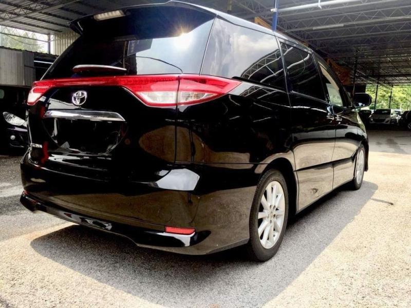 Toyota Estima 2.4 Aeras MPV 2009