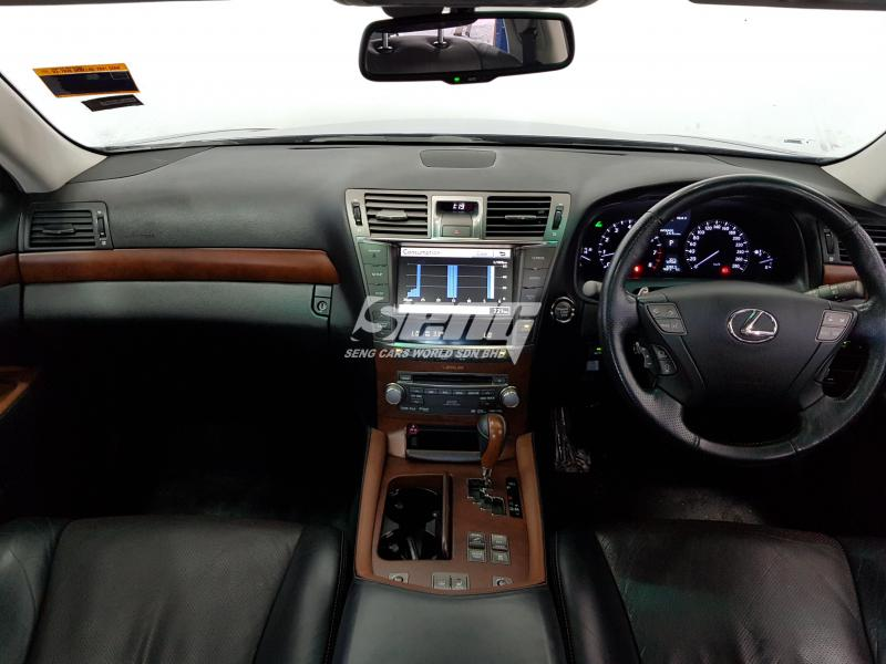 Lexus LS LS 460L 2011