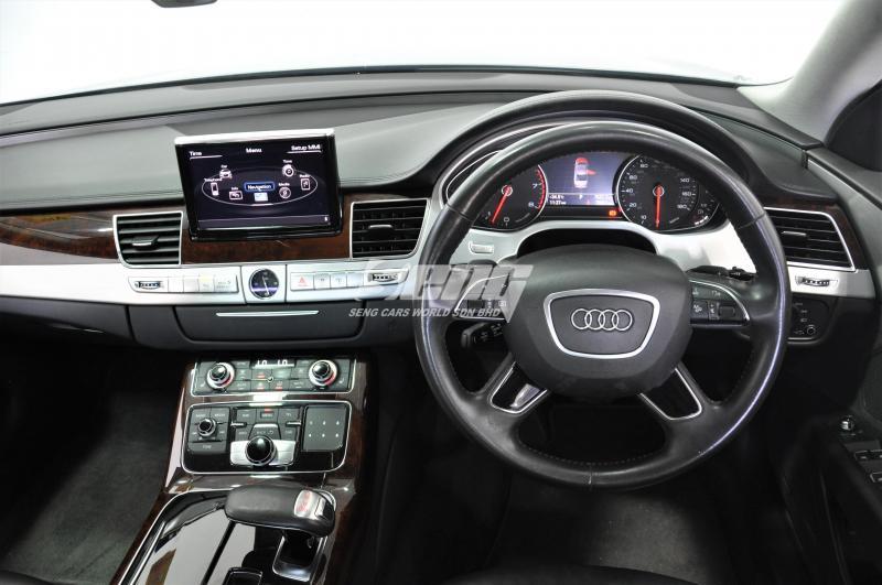 Audi A8 L 3.0 TFSI quattro 2011